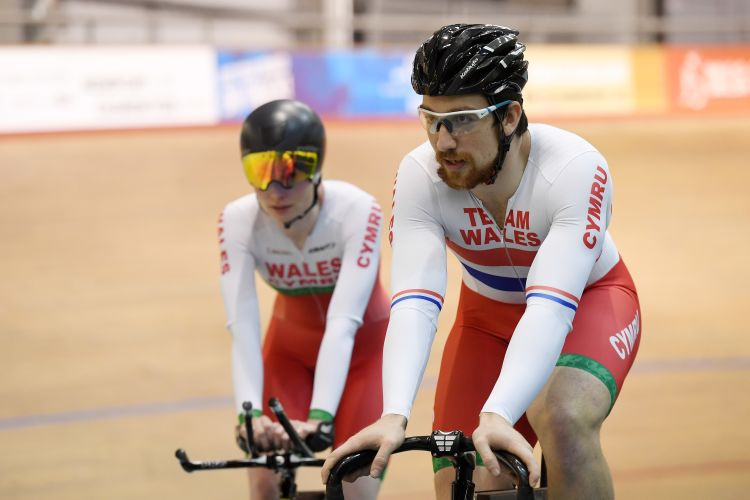Lewis with his fiancée, fellow Team Wales cyclist Ciara Horne.